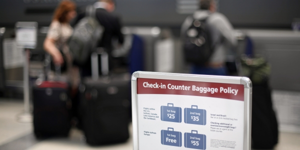 a9835f5fcf8e Everything you need to know airline baggage fees